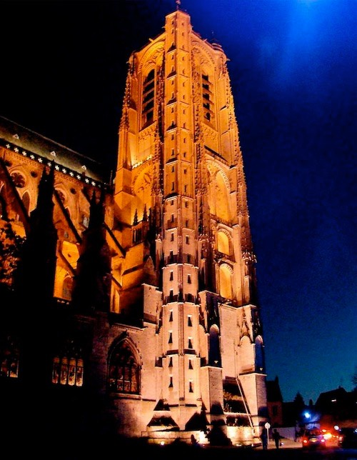 Berry-Bourges-Nuits-Lumiere-TourNordCathedrale861
